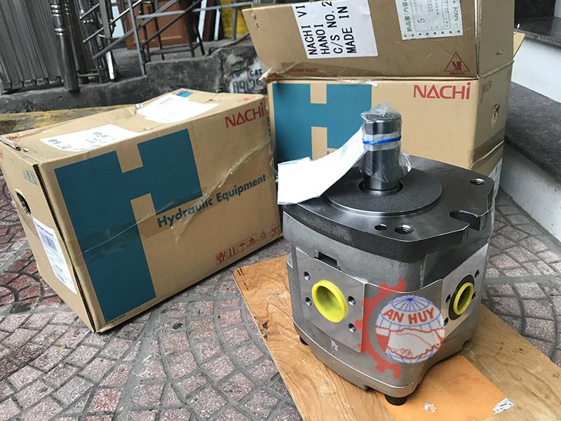 Bơm Nachi IPH-5B-40-11